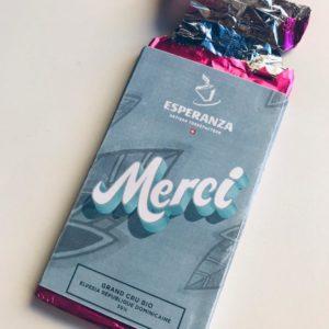 courcy-cadeau_personnalisation_plaque_chocolat_Suisse